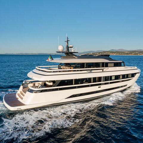 Extra Yachts